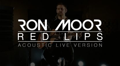Miniature-Acoustic-Live-Red Lips